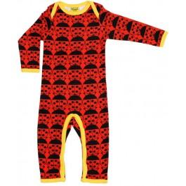 Gave rode jumpsuit met lieveheersbeestjes van het hippe merk Duns Sweden.   De jurk van Duns Sweden is gemaakt van GOTS gecertificeerd 100% biologisch katoen. Dat is wel zo prettig!