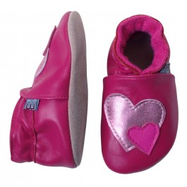 Te gekke roze leren babyslofjes met hartjes van Deense merk Melton.