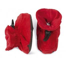 Vrolijke rode babyslofjes van ribstof van Deense merk Melton. De slofjes sluiten met een elastiek dat je kunt verstellen met de knoop.