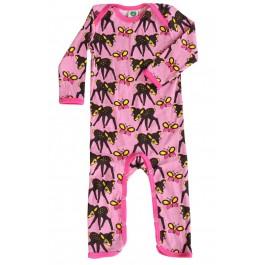 Vrolijke roze jumpsuit met hertjes van het Deense merk Smafolk.   De jumpsuits van Smafolk zijn gemaakt van 100%, Oekotex gecertificeerd katoen.