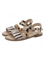 Toffe leren sandalen van het Deense merk Molo. De schoenen zijn gemaakt van leer en de bandjes hebben een vachtje.
