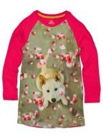 Jurk met hond ban het Belgische merk Stones & Bones. De jurk heeft fuchsia mouwen.