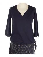 Zwart shirt van het Belgische merk Froy & Dind. Het shirt is gemaakt van 68% bamboo, 28% biologisch katoen en 4% elastane.