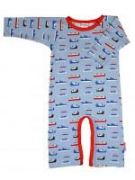 Blauwe jumpsuit met boten van het Belgische merk Baba-Babywear. De kleding van Baba-Babywear is gemaakt van biologisch katoen.