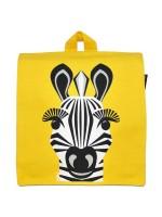 Gele rugzak met zebra van het merk Coq & Pâte. De zebra is ontworpen door Mibo. De rugzak heeft verstelbare schouderbanden en een klein vakje in de tas.   De tas is gemaakt van 100% biologisch katoen en is te wassen op 30C.  Maat: 23 x 26 x 7.5 cm