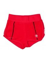 Rode short met donkeblauwe bies van het hippe merk Kik-Kid. De short is gemaakt van badstof.