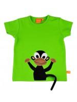 Groen t-shirt met velours aapje van het Zweedse merk Lipfish. De staart hangt los aan het t-shirt zodat je ermee kunt spelen.