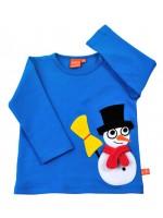 Gave blauwe longsleeve met sneeuwpop van het Zweedse merk Lipfish. De sjaal van de sneeuwpop zit los op het shirt zodat je ermee kunt spelen.