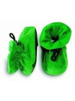 Hippe groene slofjes van ribstof van het Deens merk Melton. De slofjes blijven goed zitten door het elastiek met knoop.