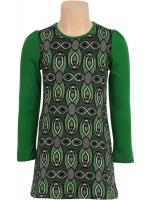 Hippe groene jurk met print van het Nederlandse merk Petit Louie. De achterkant van de jurk is groen en heeft knoopjes aan de bovenkant.