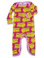 Hippe fuchsia jumpsuit met gele katten van het Deense merk Smafolk. De jumpsuit heeft een roze bies.  De kleding van Smafolk is gemaakt van 100% katoen en is Oekotex 100 gecertificeerd, wel zo fijn!
