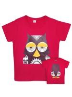 Paars t-shirt met uil van het Franse merk Coq & Pâte en ontwerp van Mibo. Aan de achterkant van het shirt  staat de achterkant van de uil.  De kleding en tassen van Coq & Pâte zijn gemaakt van GOTS gecertificeerd biologisch katoen.