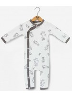 Off-white jumpsuit met pinguins van het Belgische merk Moon Monsters.   De jumpsuit is gemaakt van het allerzachtste biologische katoen.