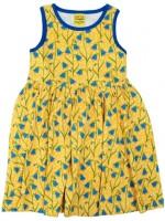 Gele jurk met bloemenprint van het Zweedse merk Duns Sweden.