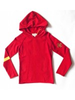 Toffe gebreide rode hoodie van het Nederlandse merk Unkk. De hoodie heeft een leuke pleisterapplicatie op de mouw.