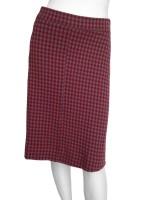 Rood/grijs geblokte rok van het hippe merk Isis. De rok is gemaakt van lekkere dikke stof: 60% katoen en 40% polyester.
