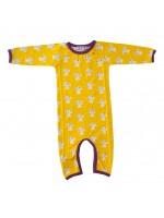 Gele jumpsuit met paddestoelen van het Deense merk Mini Cirkus. De jumpsuit heeft een paarse bies en is gemaakt van biologisch katoen met een beetje elastane.